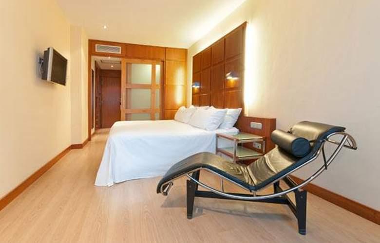 Port Azafata Valencia - Room - 9