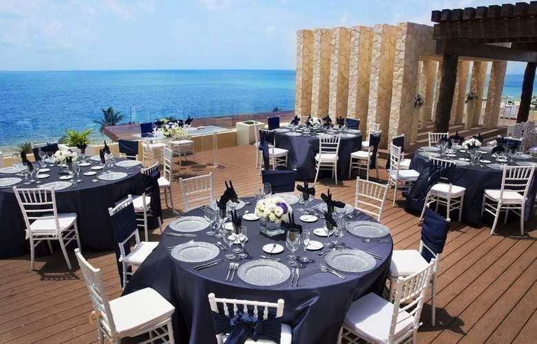 Royalton Riviera Cancun - Terrace - 6