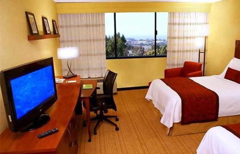 Courtyard Richmond Berkeley - Hotel - 3