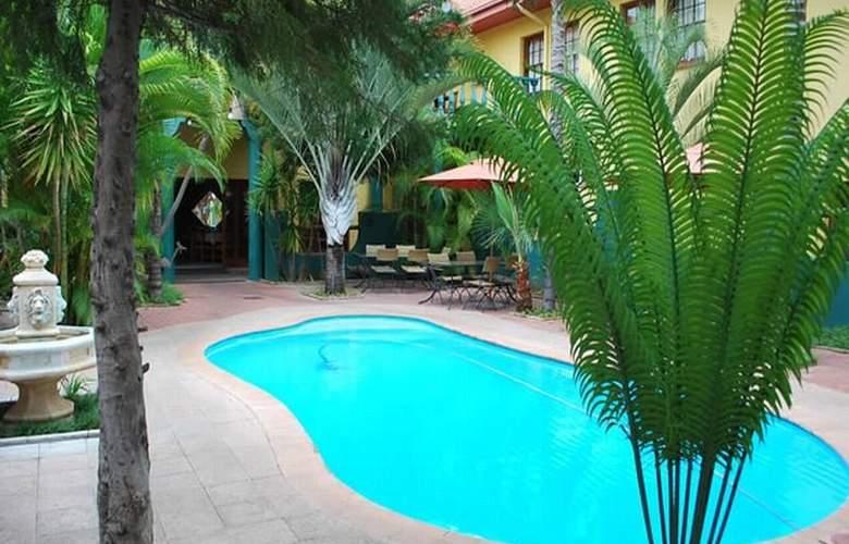 Makalani Hotel - Pool - 6