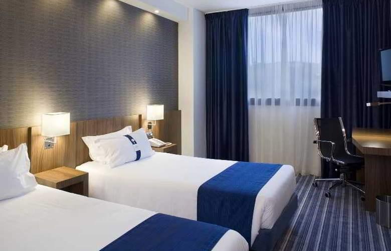 Holiday Inn Express Campo de Gibraltar - Barrios - Room - 9