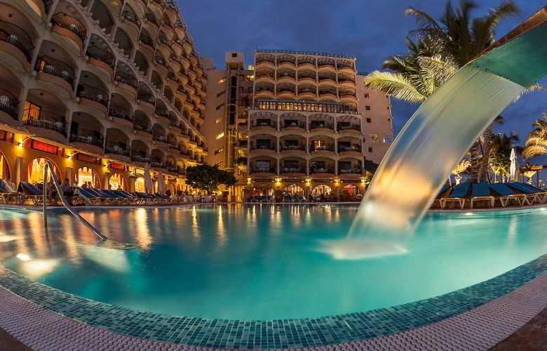 Dorado Beach Aparthotel - Pool - 9