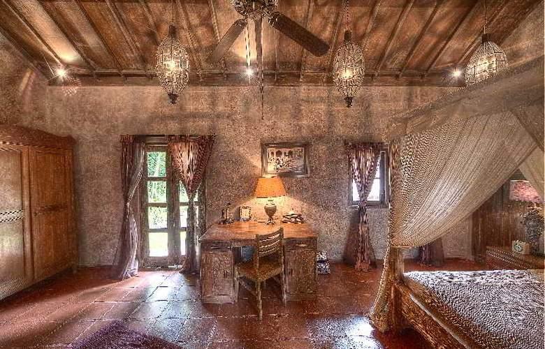 Villa Balquisse - Room - 12