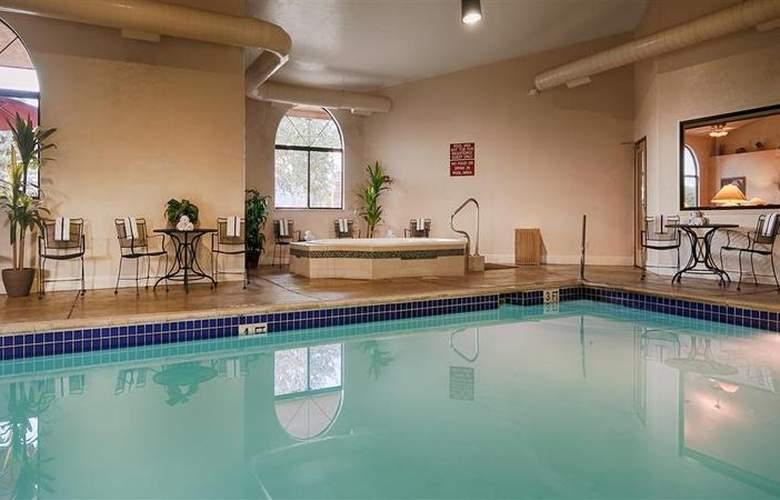 Best Western Grande River Inn & Suites - Pool - 51