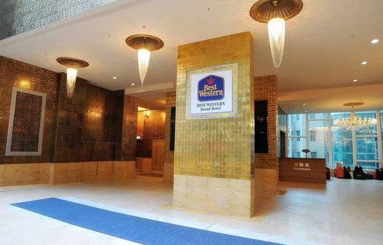 Best Western Grand - Hotel - 17