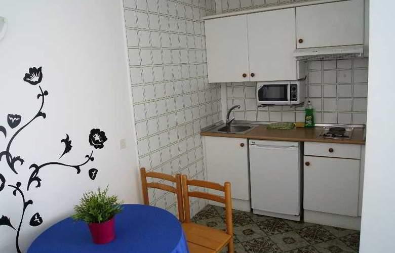 Sureda - Room - 2