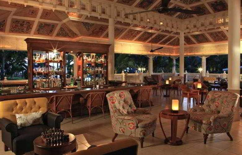 Heritage Le Telfair Golf & Wellness Resort - Bar - 9