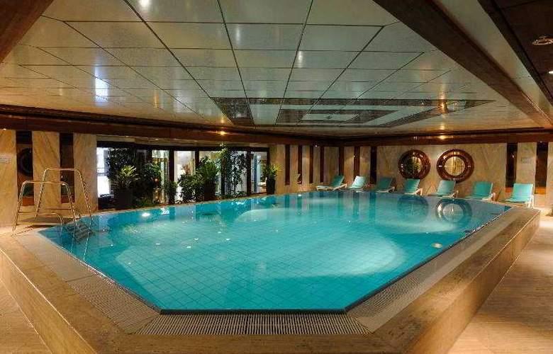 Maritim Cologne - Pool - 3
