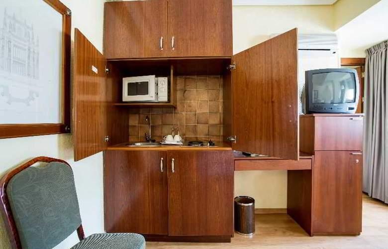 Apartamentos Torreluz - Room - 8