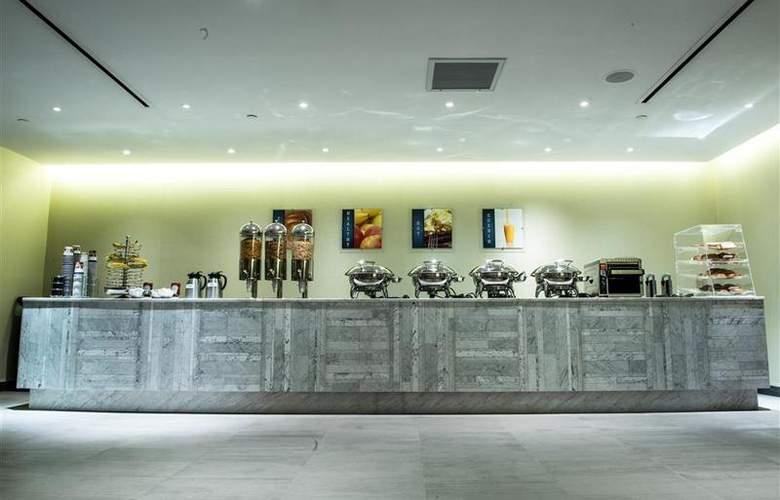 Best Western Premier Herald Square - Restaurant - 95
