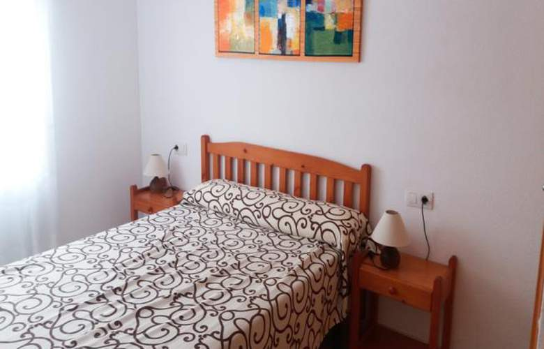 Apartamentos Oropesa 3000 Sin Piscina - Room - 0