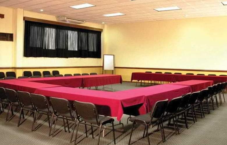 Villa del Sol and Suites - Conference - 8