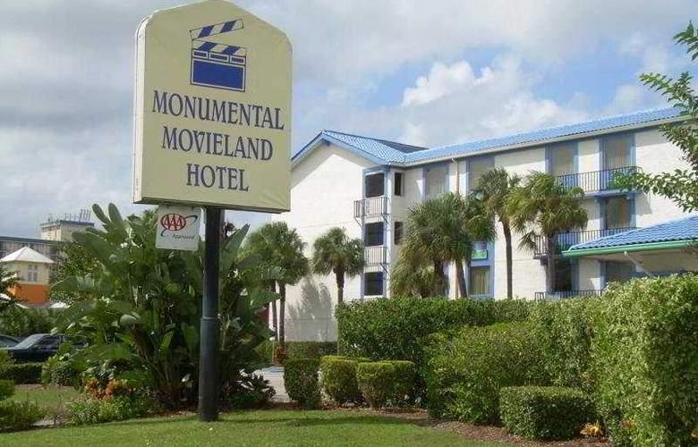 Monumental Movieland - Hotel - 0