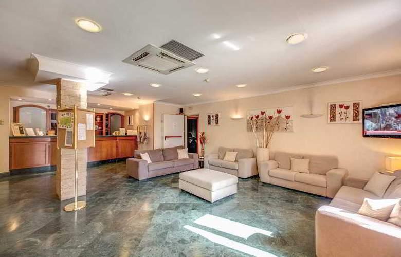 Romoli - Hotel - 8
