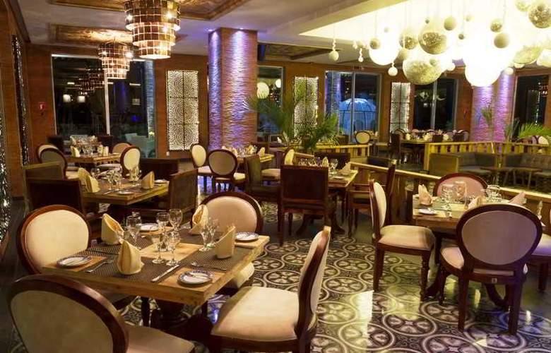Sandos Caracol Eco Resort & Spa - Restaurant - 30