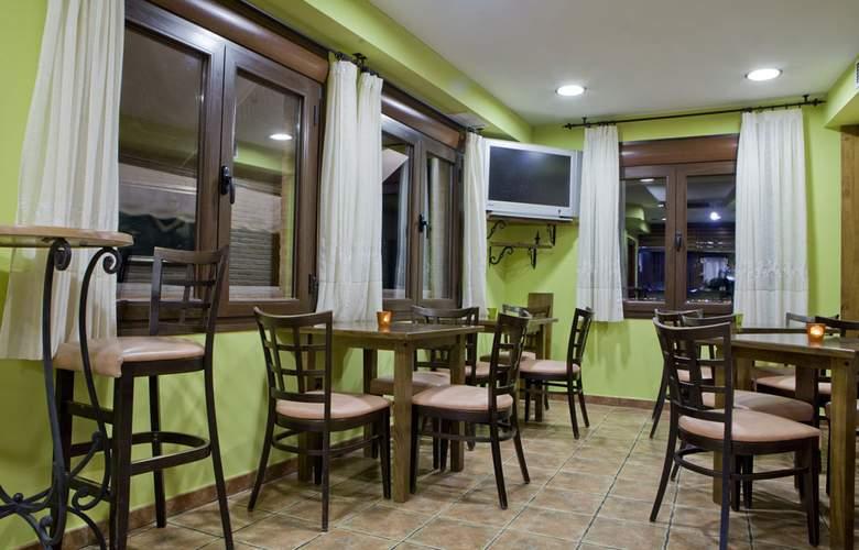 Medina de Toledo - Bar - 2
