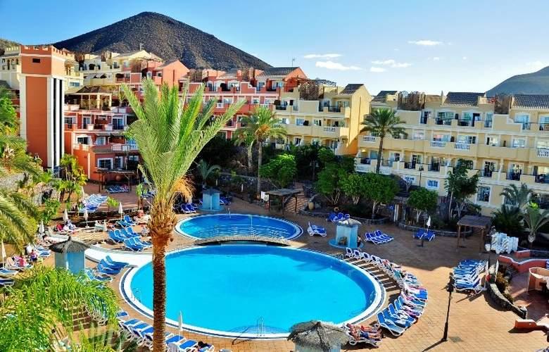 Granada Park - Pool - 8