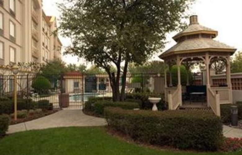 La Quinta Inn & Suites Dallas Arlington South - General - 5