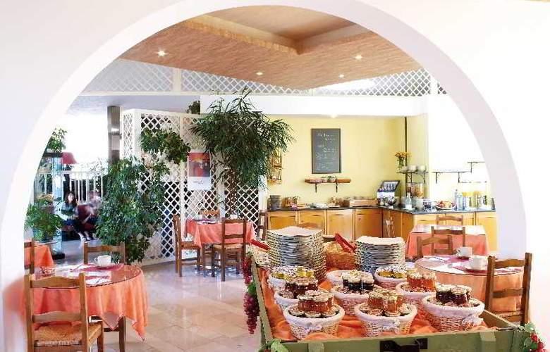 Interhotel La Closerie - Restaurant - 15