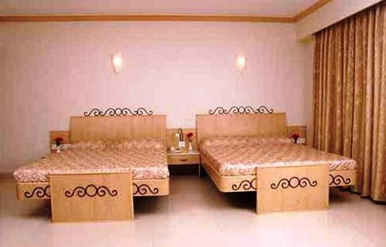Garden Hotel Mumbai - Room - 3