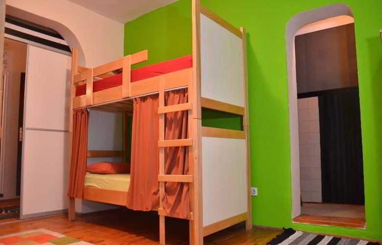Kalonis Hostel - Room - 5