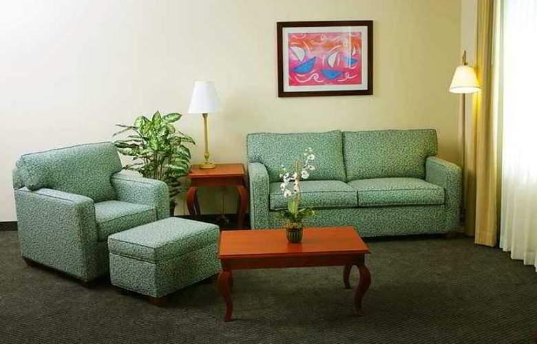 Hampton Inn Tampico - Hotel - 4