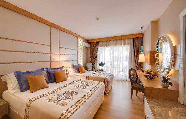 Quattro Beach Spa & Resort Hotel - Room - 1