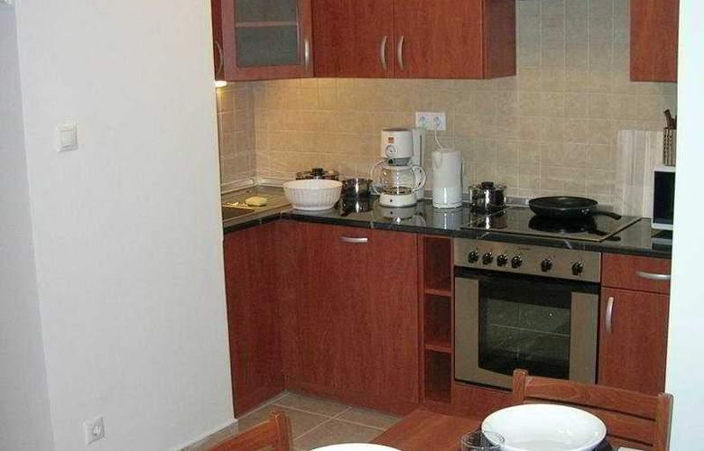 Far Home Apartments - Room - 3