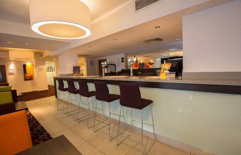 Holiday Inn Express Birmingham South A45 - Bar - 6
