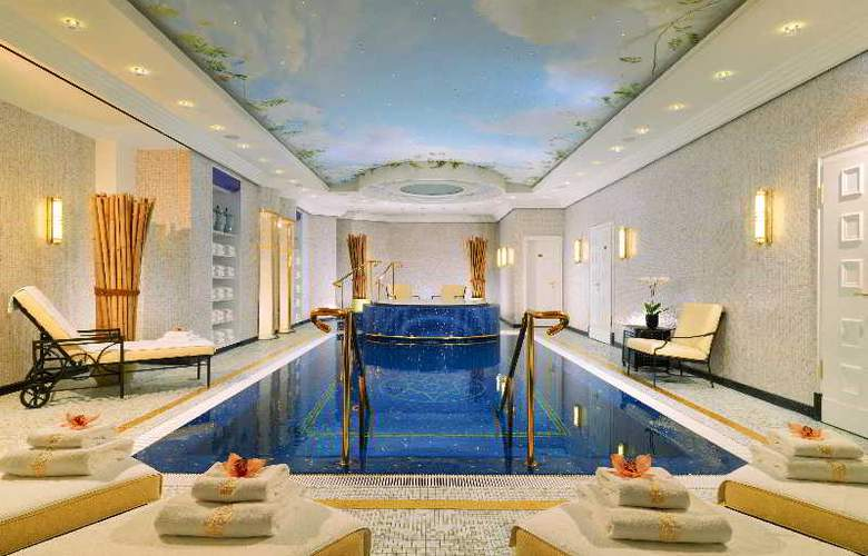 The Ritz-Carlton, Berlin - Pool - 18