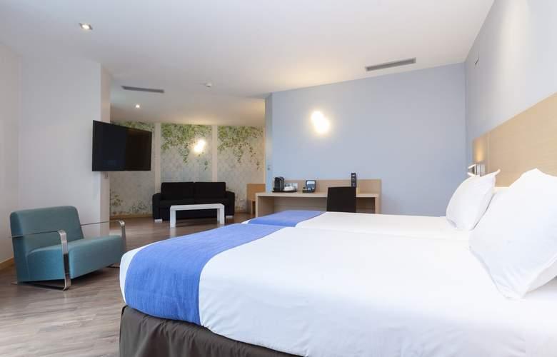 Gran Bilbao - Room - 17