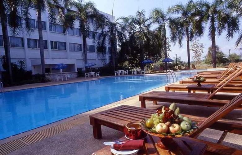 Centara Mae Sot Hill Resort - Pool - 5