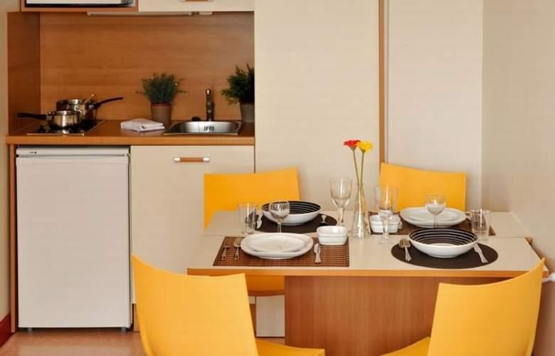 Park and Suites Elegance Saint Nazaire - Room - 9