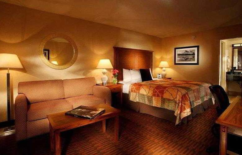 Best Western Plus Hilltop Inn - Hotel - 6