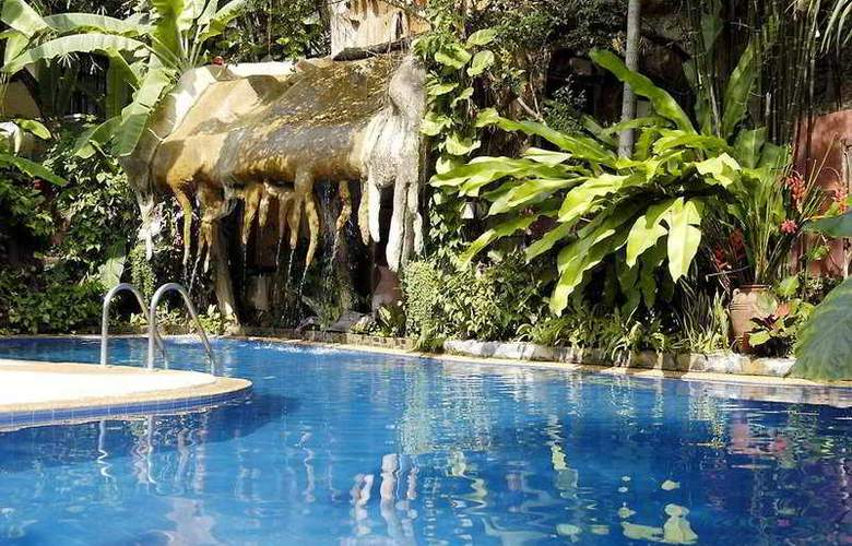 Club Bamboo Boutique Resort & Spa - Pool - 6