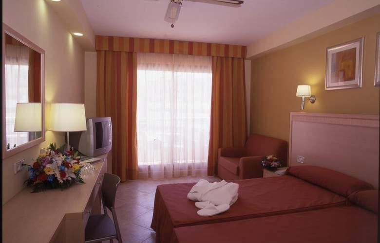 Fenix Family - Room - 8