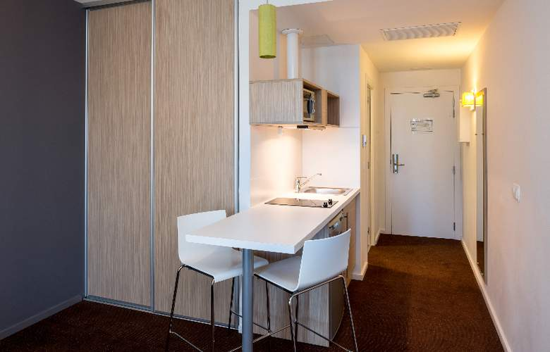 Bluebay City Barcelona Sant Cugat - Room - 6