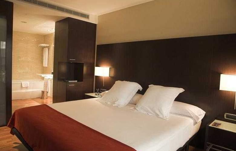 Zenit Pamplona - Room - 17
