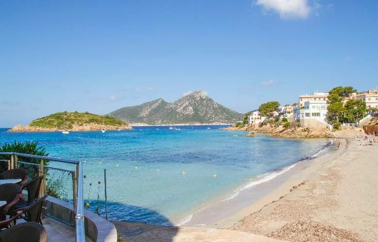 Universal Hotel Aquamarin - Beach - 16