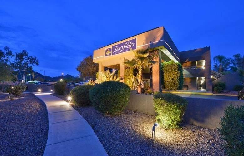 Best Western Plus Innsuites Phoenix Hotel & Suites - Hotel - 12