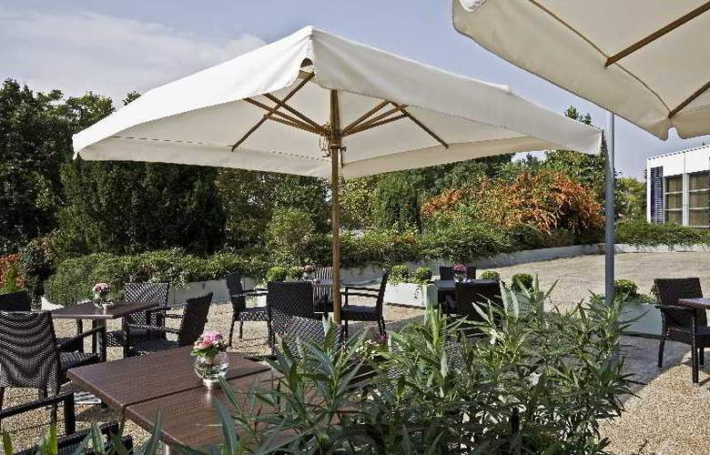 Danubius Health Spa Resort Helia - Terrace - 12