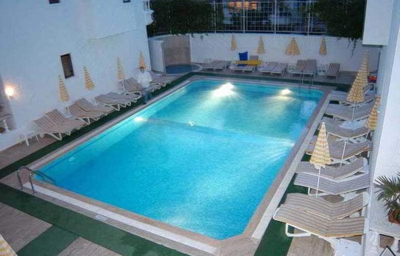Renda Beach Hotel - Pool - 6