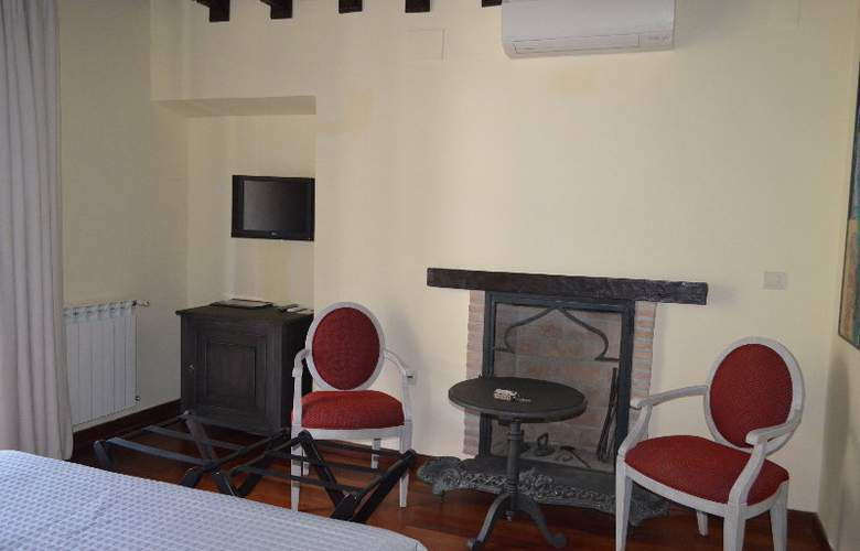 Museo Palacio de Mariana Pineda - Room - 9