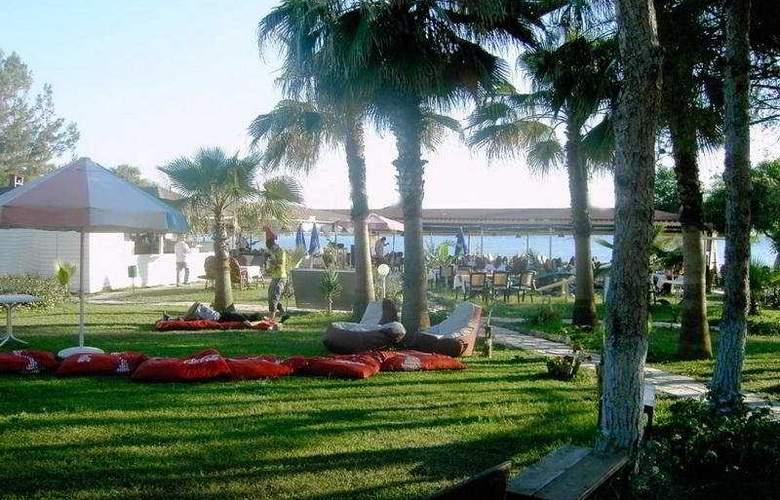 Nova Beach Hotel - General - 2