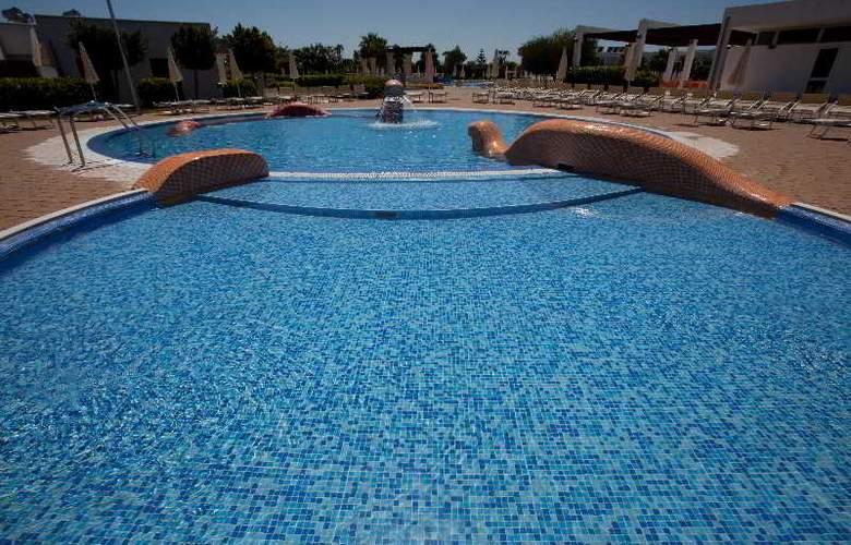 Riva Marina Resort - Pool - 18