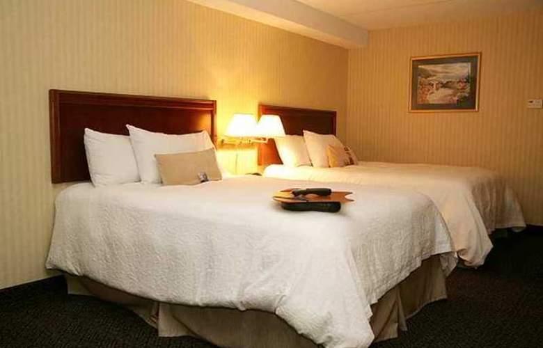 Hampton Inn Niagara Falls North - Hotel - 8