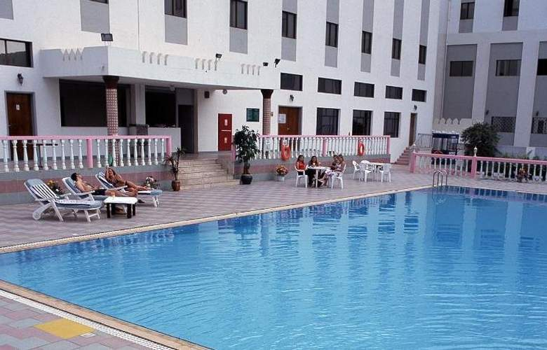 Al Madinah Holiday - Pool - 5