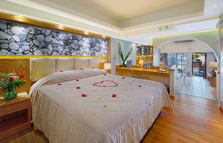 Oceanis Beach & Spa Resort - Room - 0