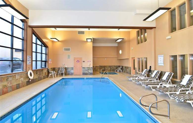 Best Western Plus High Sierra Hotel - Pool - 146