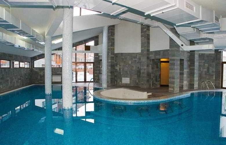 Belmont - Pool - 6